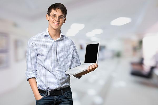 Na czym możemy oszczędzić podczas zakupu komputera?
